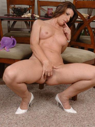 big butts naked white women