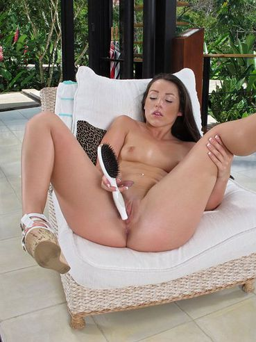 Naughty Latina Beauty Lola Foxx Is Playing With Her Incredible Shaved Cunt