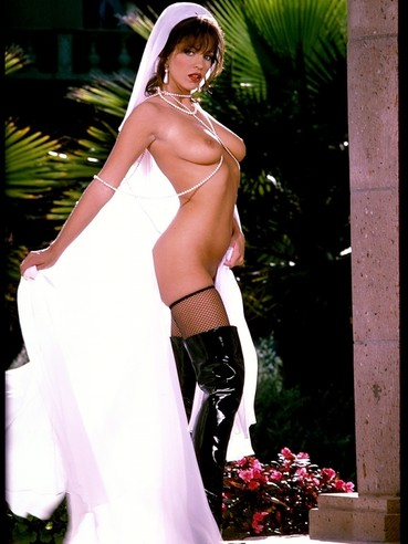 Incredible Series Of Hot Bride Taylor St Claire Having A Veil While Also Knee Over Latex Boots O