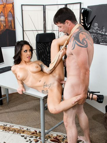 Latina Bombshell Alexa Aimes Goes Toe To Toe With A Rock Hard Cock Hardcore On An Office Desk.