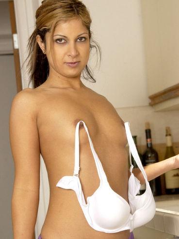 naked girl agnes monica