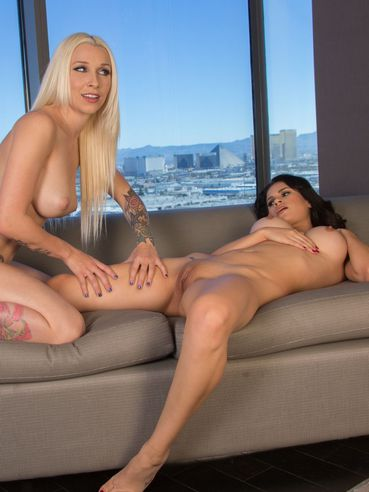 Busty Blonde Stevie Shae Is Hotly Massaging The Naked Body Of Vanessa Veracruz